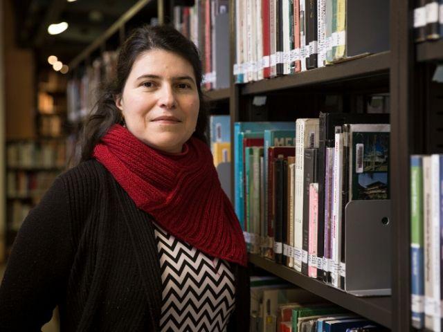 Carola Hernández participa en debate local sobre educación