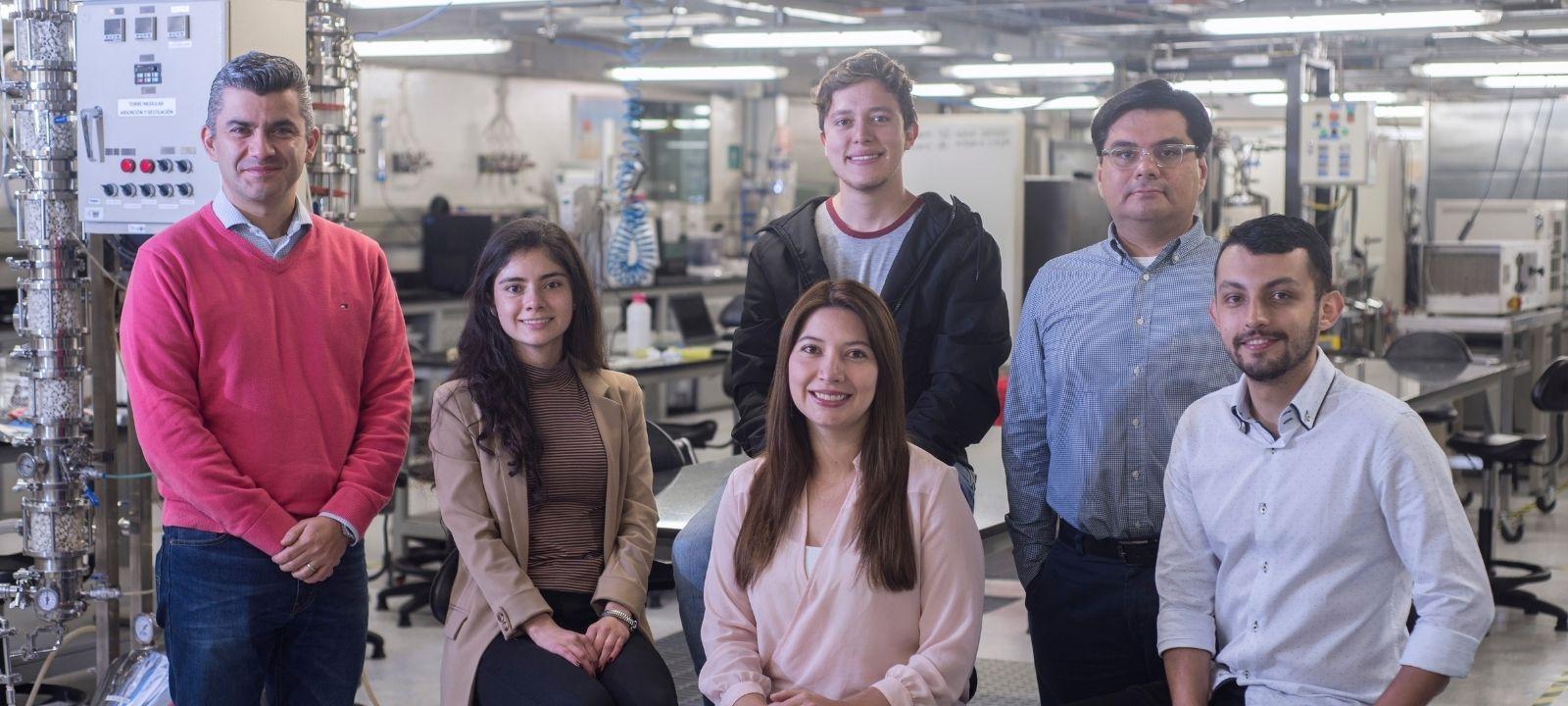 Investigadores de los Departamentos de Ingeniería Mecánica e Ingeniería Química y de Alimentos