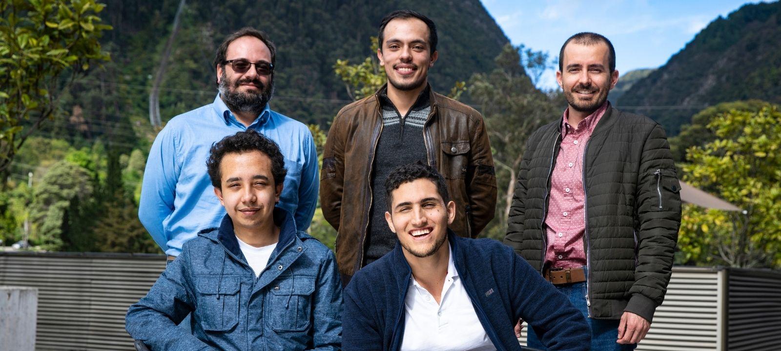 Nicanor Quijano, Daniel Ochoa, Luis Felipe Giraldo, Luis Fernando Burbano y Diego Gómez, investigadores del Departamento de Ingeniería Eléctrica y Electrónica de la Universidad de los Andes