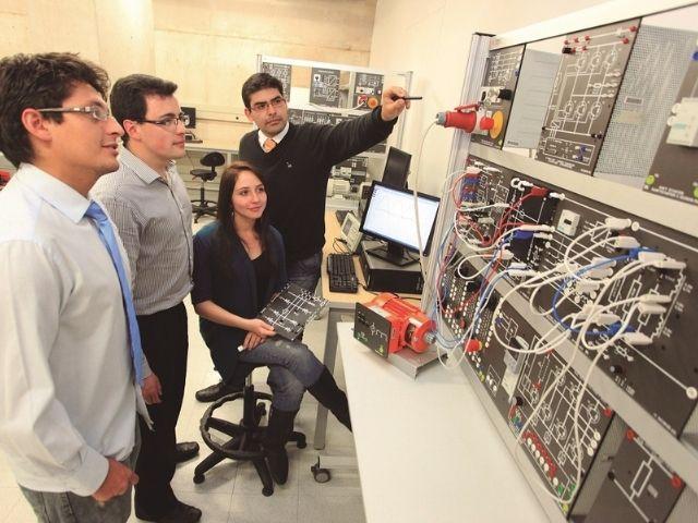 Laboratorio del Departamento de Ingeniería Eléctrica y Electrónica de la Universidad de los Andes