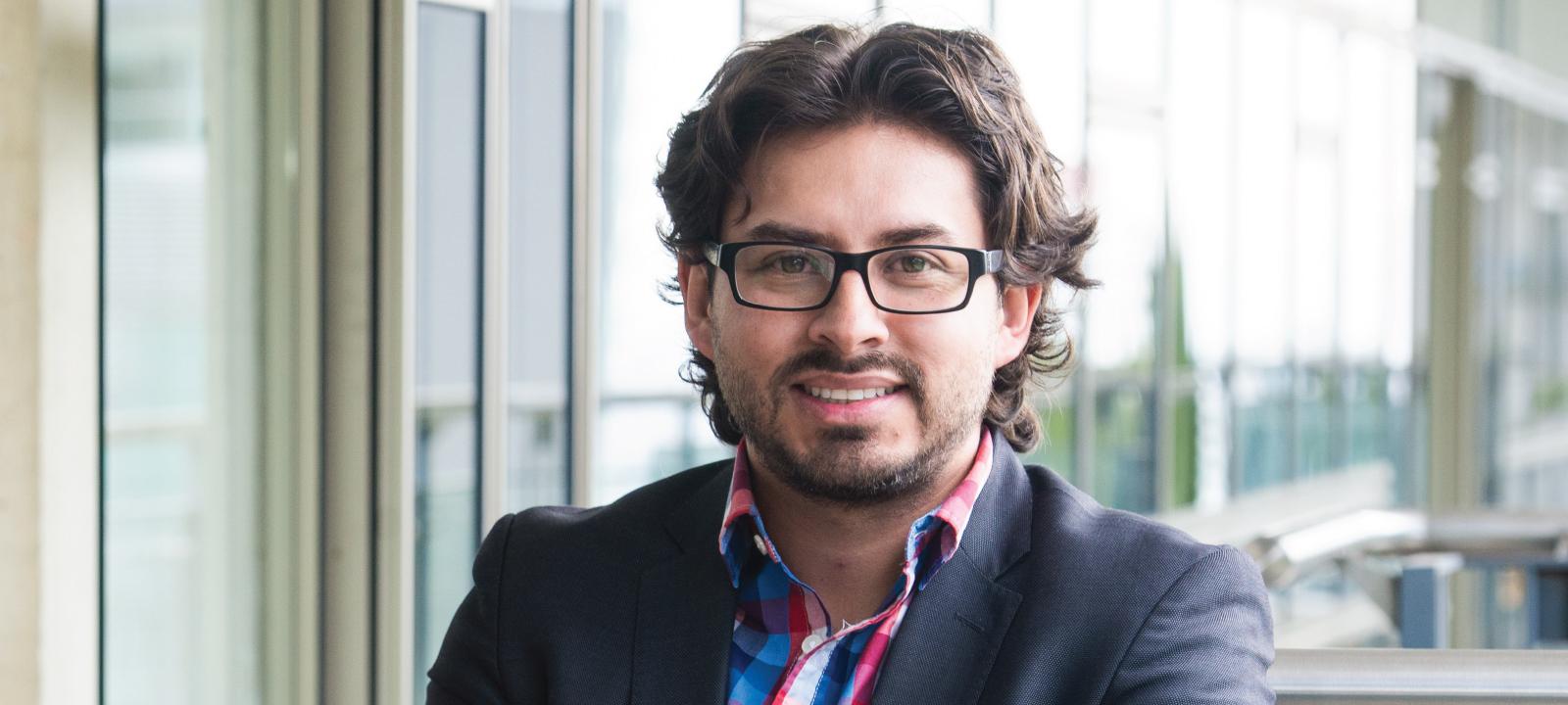 Mario Linares, profesor del Departamento de Ingeniería de Sistemas y Computación