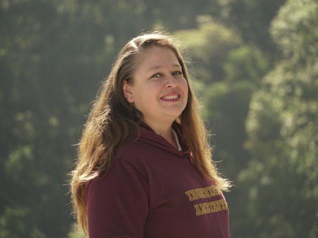 Nancy Henao, técnico de laboratorio de Ingeniería Ambiental de Los Andes
