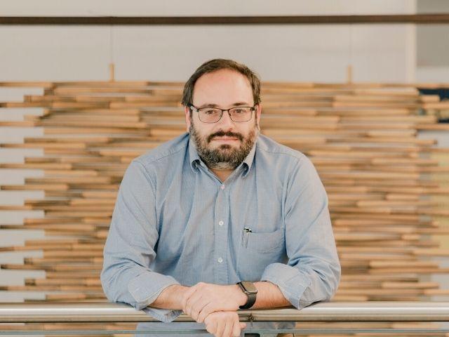 Nicanor Quijano, profesor titular del Departamento de Ingeniería Eléctrica y Electrónica