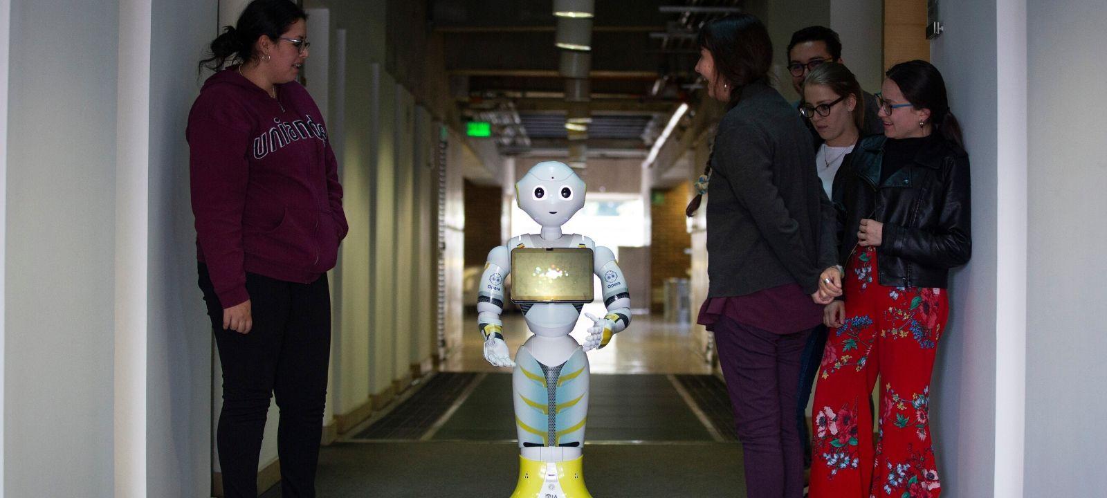 Ópera, una robot amigable