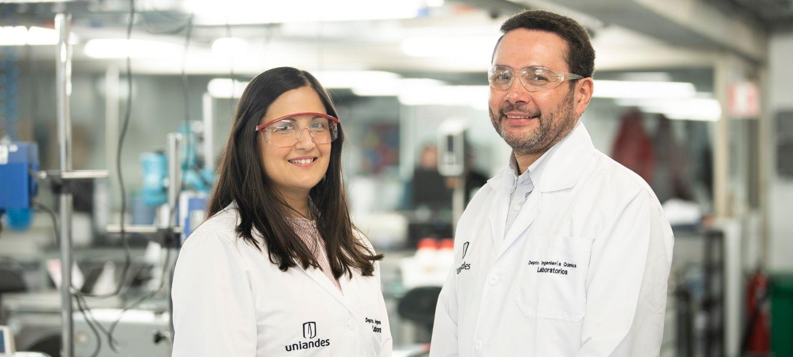 María Hernández y Oscar Álvarez, profesores del Departamento de Ingeniería Química y de Alimentos